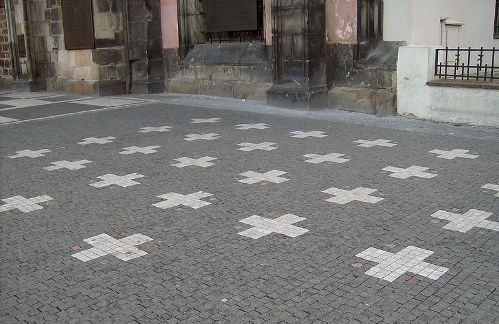 27-Crosses-Prague