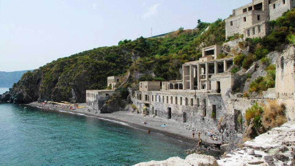 Top 10 Best PLaces To Visit In Sicily - Island of Lipari | The Wandering Wanderlusters